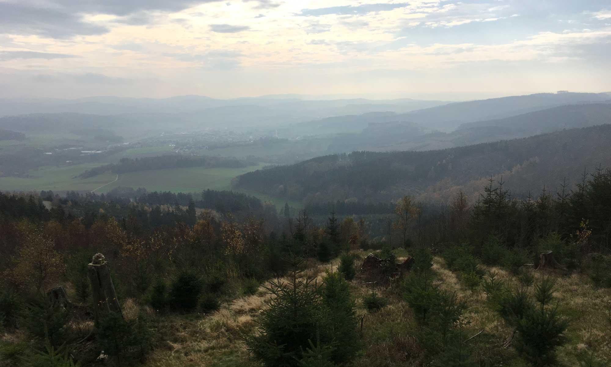 Blick über Garbeck in das Sauerland