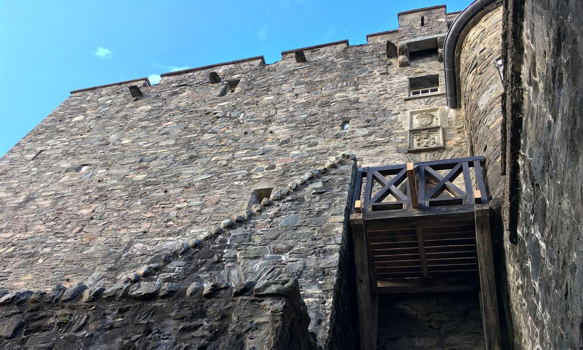 Der Eingang zum Hauothaus von Eilean Donan Castle