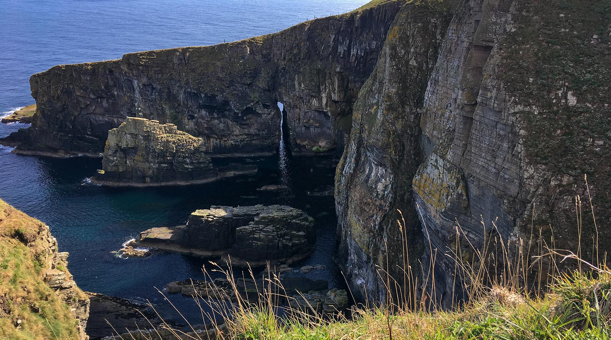 Ein Geo bei den Whaligoe Steps