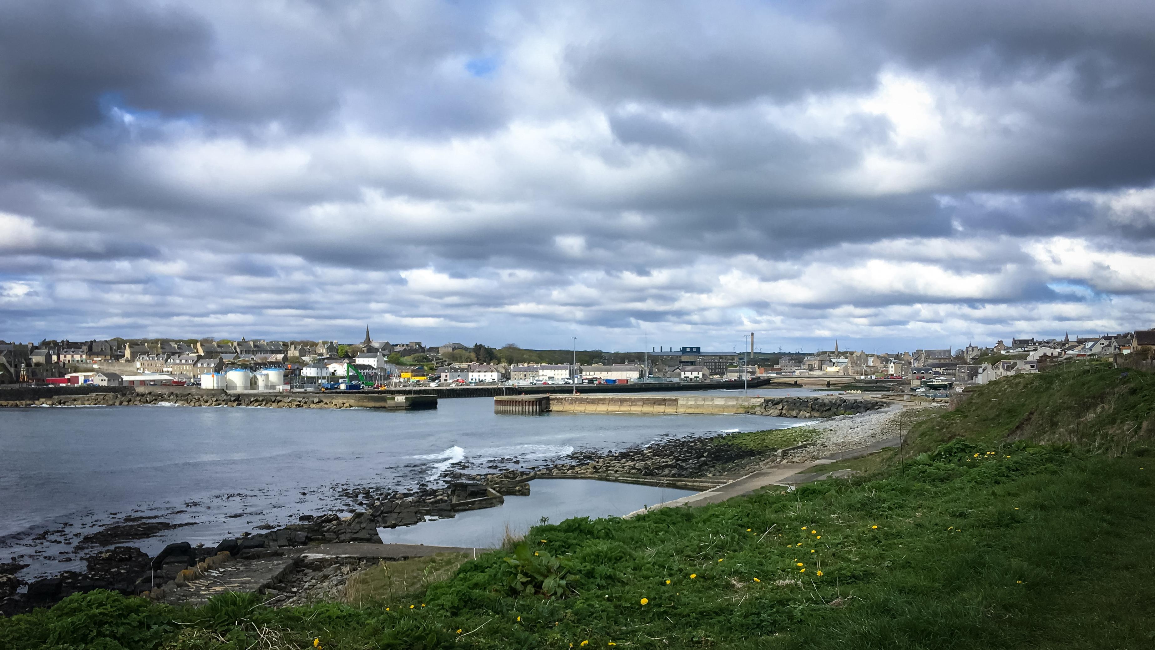 Blick auf Wick und den Hafen von der Nordseite