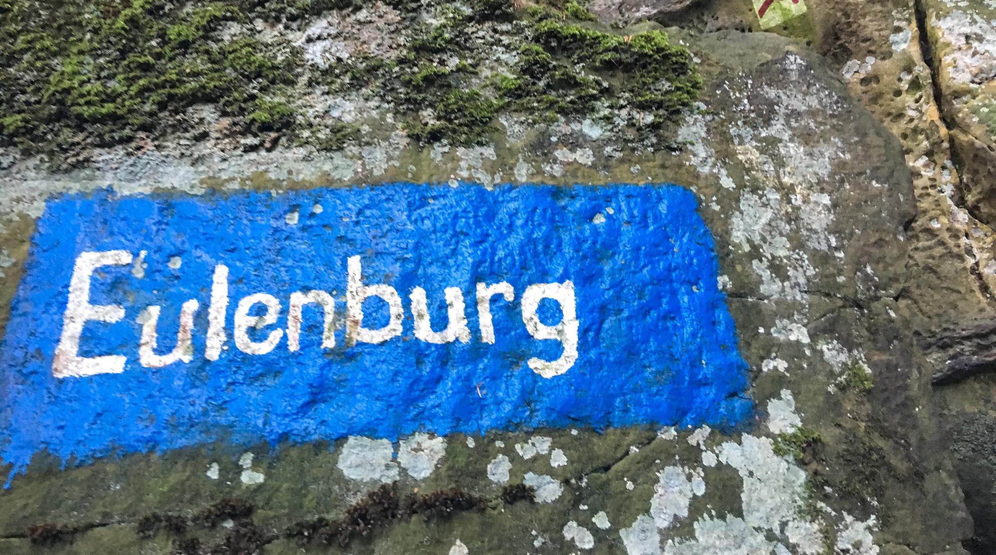 Auf Felsen gemalter Schriftzug Eulenburg