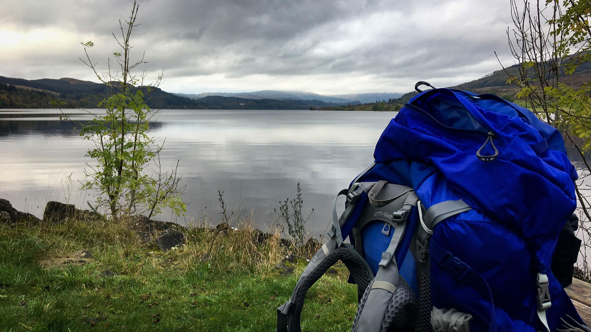Rucksack am Loch Venachar