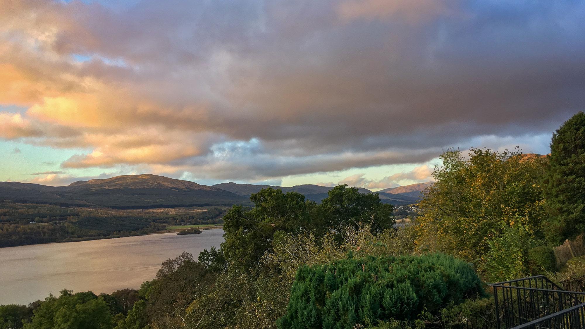 Sonnenaufgang am Loch Tay