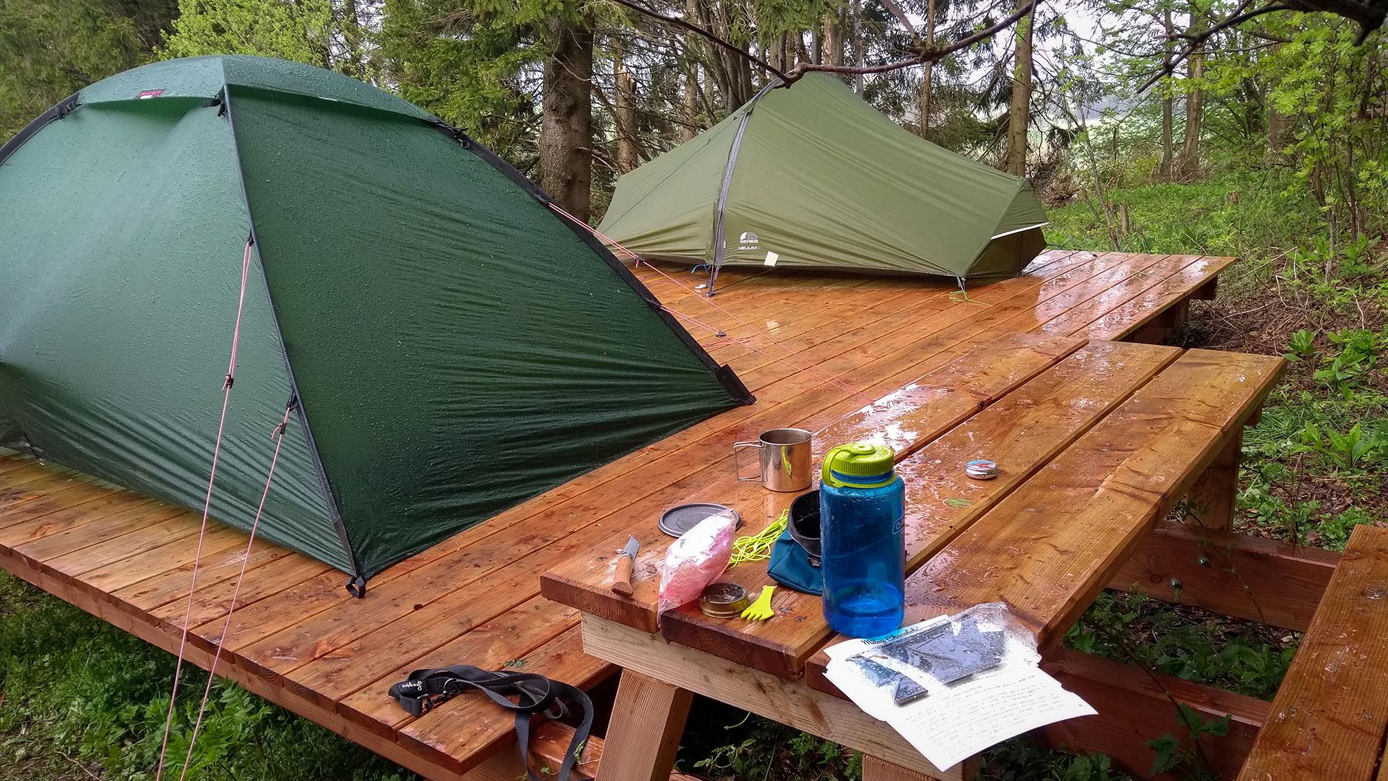 Zelte auf dem Trekkingplatz-Büller-Höhe